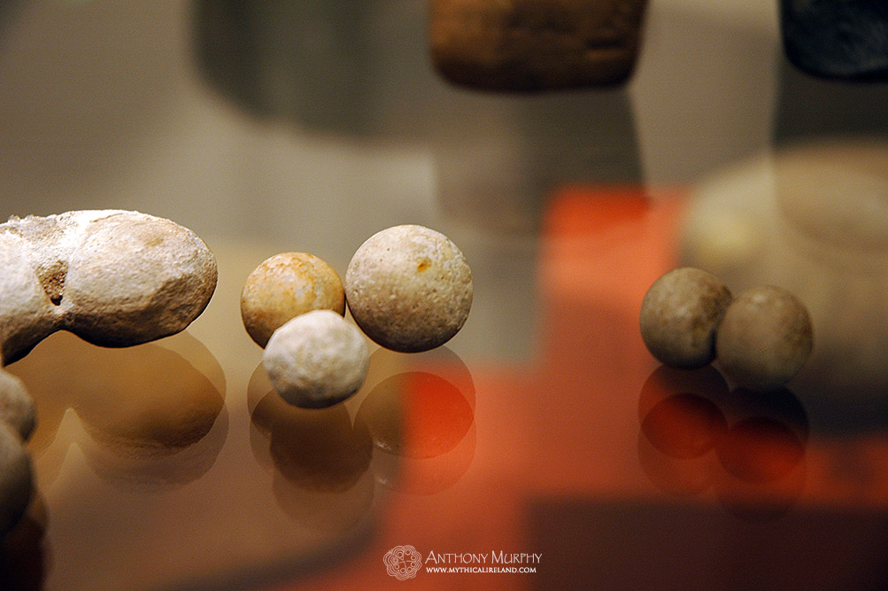 Chalk marbles found at Newgrange