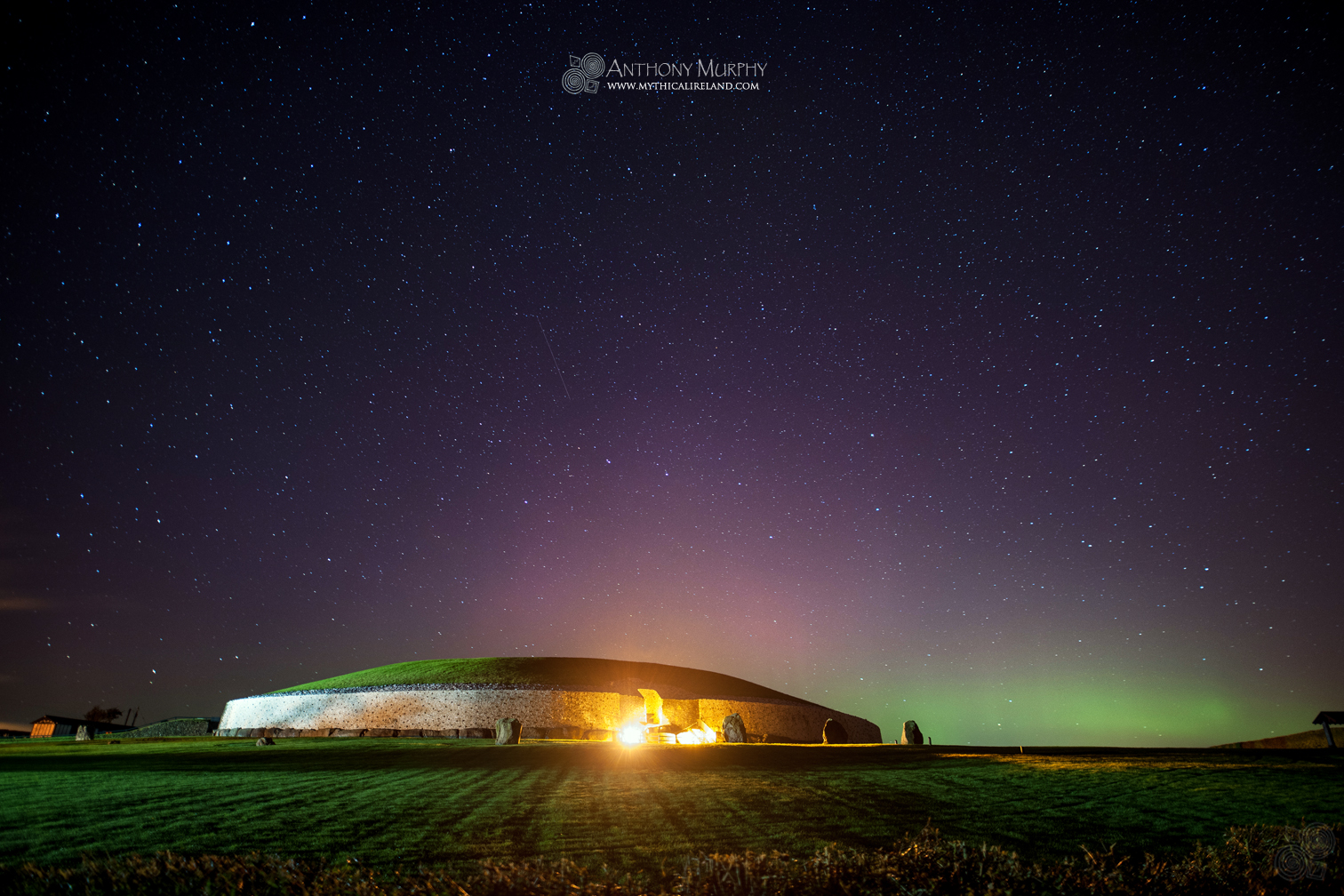 Aurora at Newgrange